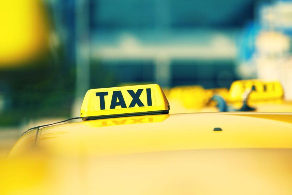 Wynajmowanie taksówki w Chełmie
